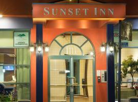 Hotel Photo: Sunset Inn and Suites