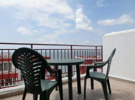 Hotel Photo: Penthouse Apartment in Marina View Fort Beach