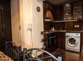 Hotel Photo: Apartment on Bagratunyac 10
