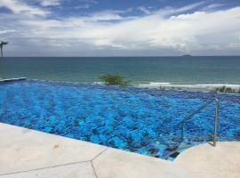 Hotel Photo: Grand Beach Condo I Unit A207