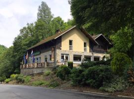 Hotel Photo: Chalet Des Grottes