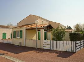 Hotel Photo: Holiday Home Le Hameau de La Grande Baie