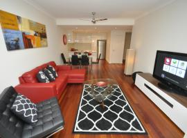 Hotel photo: Camperdown Self-Contained Modern Two-Bedroom Apartment (11BRG)
