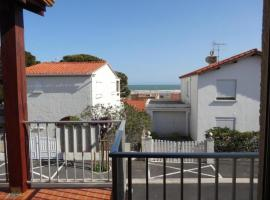 Hotel Photo: Rental Apartment Eolia - Saint Pierre La Mer