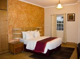 Hotel Photo: Tropical Enclave Hotel