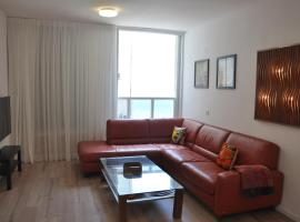 Hotel photo: Three Bedroom apartment by the sea