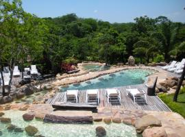 Hotel Photo: Biocentro Guembe Hotel y Resort