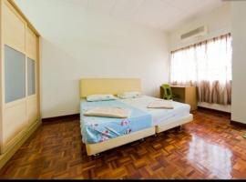 Hotel Photo: Magg's USJ 3C Holiday Home