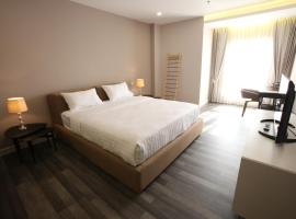 Hotel Photo: D'Anggerek Serviced Apartment