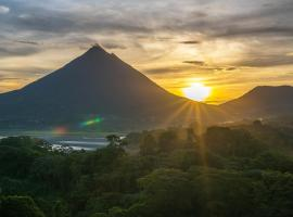 Hotel Photo: Essence Arenal and Spa