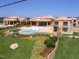 Hotel photo: Luxurious Villas in Petrothalassa