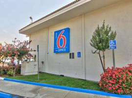 Hotel photo: Motel 6 Sacramento - Old Sacramento North