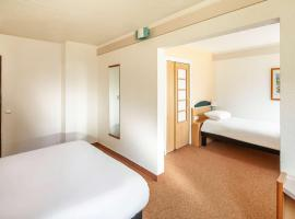 Hotel Photo: ibis Chartres Ouest Luce