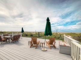 Hotel Photo: Oceanfront Stunner in Sunset Beach House