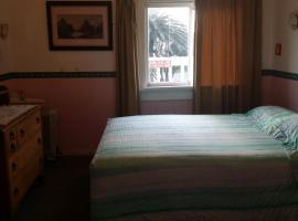 Hotel Photo: Barnacles Seaside Inn