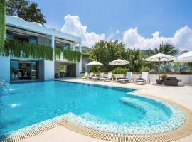 Hotel Photo: One Waterfall Bay - an elite haven