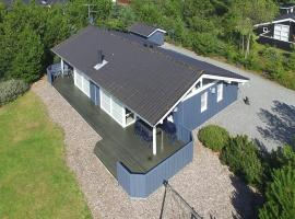 Hotel Photo: Holiday home Revlingestien D- 3704