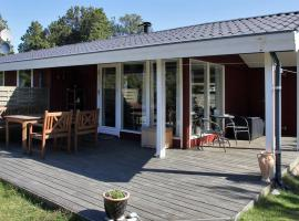 Hotel Photo: Three-Bedroom Holiday Home Rævestien 06