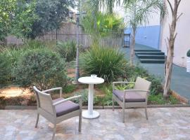 Hotel Photo: Pinsker Garden Apartment - Petah Tikva