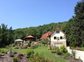 Spacious Guesthouse with Award-Winning Garden Biatorbágy Hungary