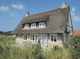 Hotel photo: Holiday home Duindroom Op Terschelling