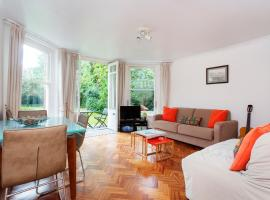 Hotel Photo: Veeve - Apartment in Hampstead