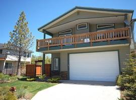 Hotel Photo: Lassen Drive Holiday home