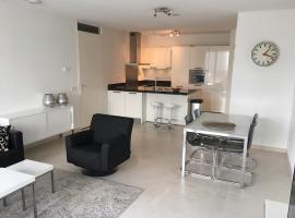 Calypso 2 bedroom apartment with parking 692*Non Smoking*,