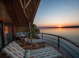 A picture of the hotel: Chobe Water Villas