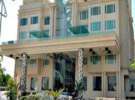 A picture of the hotel: Hotel Grand Mehfil