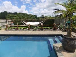 Hotel Photo: Two Tui Homestead and BnB