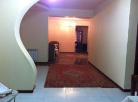 A picture of the hotel: Guest House on Zaryan 136