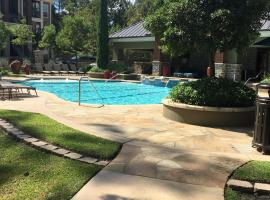 Hotel photo: Resort Style Apartment/Home - The Woodlands