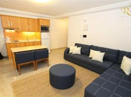 Hotel Photo: Royal Luxury Apartments & Studios