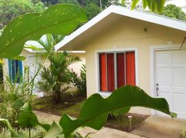 Hotel photo: Tropical Paradise Bungalows