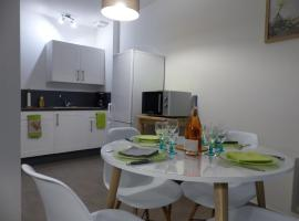 A picture of the hotel: Appartement Plein Centre Avignon