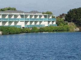 Hotel Photo: Coral Reef Inn & Condo Suites