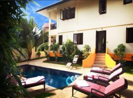 Hotel Photo: 3 bedroom Seafront Villa Bay View