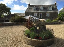 Hotel Photo: Treveighan Farmhouse