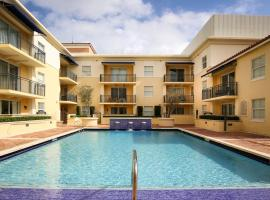 Hotel Photo: Pelican Residences in Coral Gables - Walk to Merrick Park