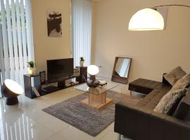 Foto do Hotel: Secured Service Apartment Near Airport and CBD