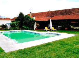 A picture of the hotel: Casa Rural Oliveira do Bairro