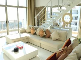 Hotel Photo: Boat House Hua Hin by Winnie