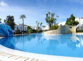 A picture of the hotel: Real de la Barrosa 51