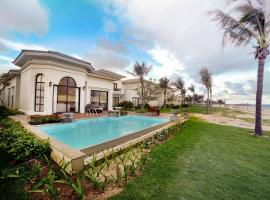 Hotel Photo: Vinpearl Nha Trang Long Beach Villas