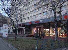 A picture of the hotel: Dacia Apartments