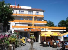Hotel Photo: Adrenalin Backpackers Hostel