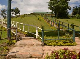 Hotel Photo: Lake Bunyonyi Paradise Eco Hub Resort