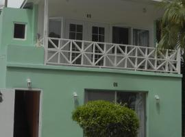 Hotel near  Lynden Pindling Intl  airport:  Coral Harbour Beach House & Villas