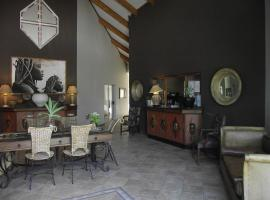 Hotel Photo: Out of Africa Town Lodge
